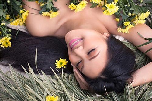Dàn hậu bạo dạn chụp nude: Kỳ Duyên khiến fan truyền thái y, Ngọc Trinh bạo liệt nhất, Mai Phương Thúy mặc cũng như không-12