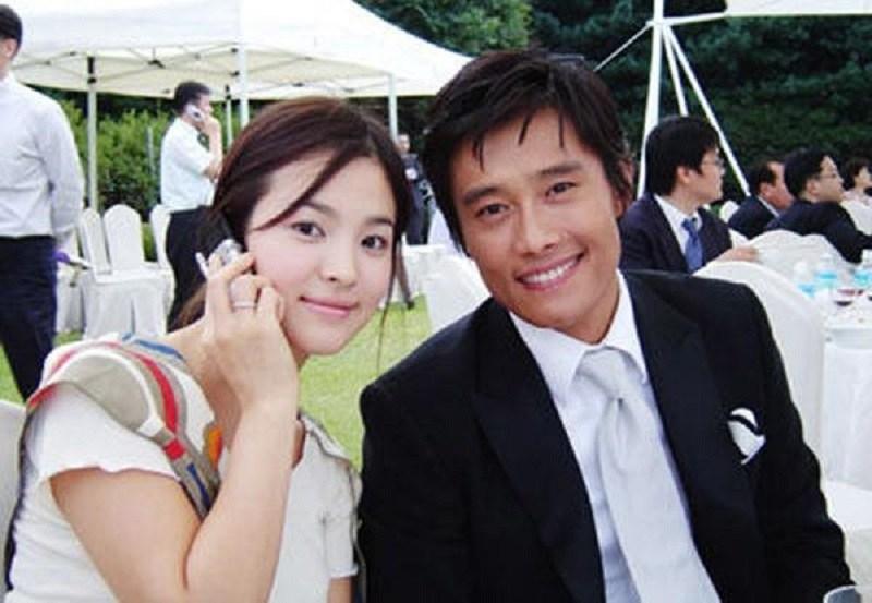Biểu tượng nhan sắc Song Hye Kyo và những chuyện tình đau khổ khi yêu bạn diễn-1