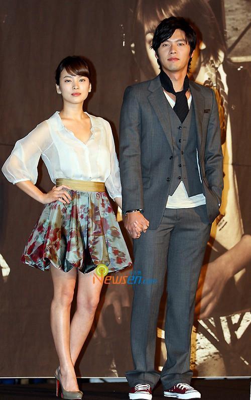 Biểu tượng nhan sắc Song Hye Kyo và những chuyện tình đau khổ khi yêu bạn diễn-5
