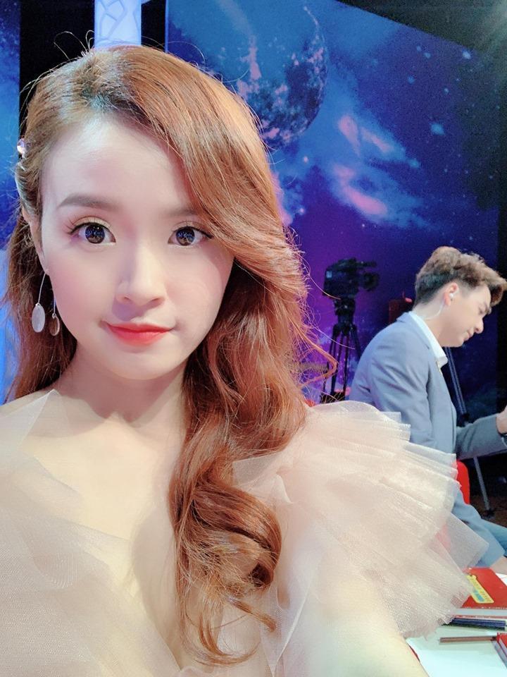 Phan Thành vừa tuyên bố buông bỏ tình cảm, Midu liền được fans khuyên làm điều bất ngờ khi khoe ảnh tham gia gameshow mới-4