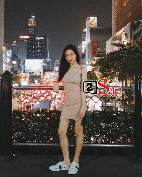 Hòa Minzy bị chiếc quần ống rộng phản chủ, dìm hàng bản thân thê thảm-5