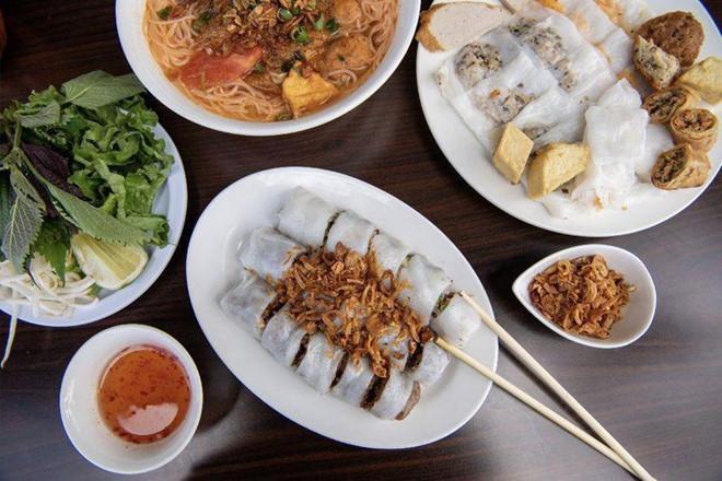 Phóng viên NY Times khen ngợi bánh cuốn truyền thống Việt Nam-5