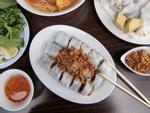 Phóng viên NY Times khen ngợi bánh cuốn truyền thống Việt Nam
