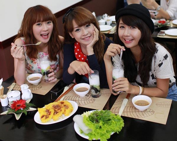 3 nhóm bạn thân chứng minh: Con gái xinh, giỏi thường chơi với nhau-1