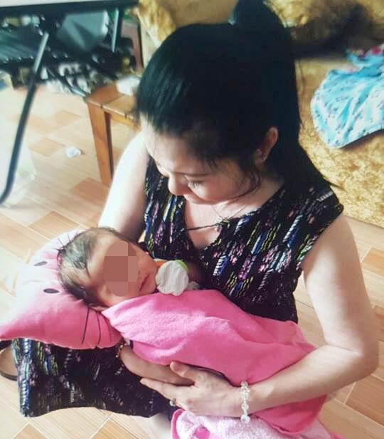 Nỗi đau bà nội hụt trước kết quả ADN con gái nuôi của nữ chủ tịch phường-1