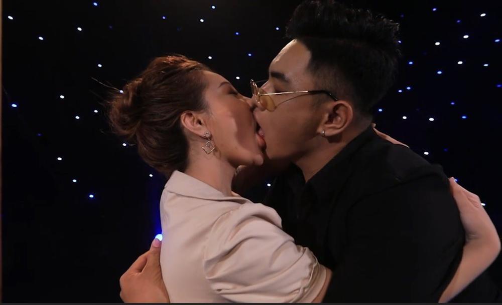 Trai đẹp bị Mon 2K hôn ngấu nghiến trên sóng truyền hình tuyên bố sốc: Tham gia gameshow đúng là để đánh bóng tên tuổi-2