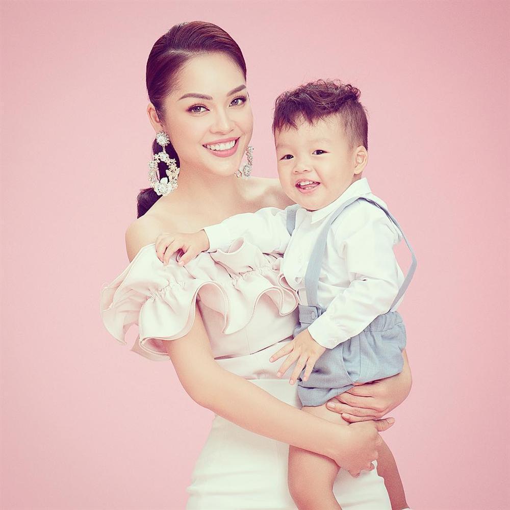 Nhìn các cặp đôi showbiz chia tay, Dương Cẩm Lynh định nghĩa lại hai chữ hạnh phúc khiến ai cũng thấm thía-3