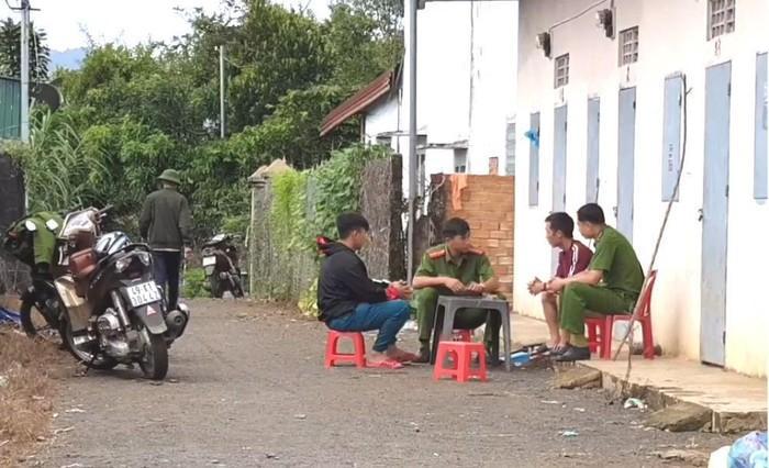 Chồng sát hại vợ rồi chở con 4 tuổi đến gửi mẹ vợ ở Lâm Đồng-1