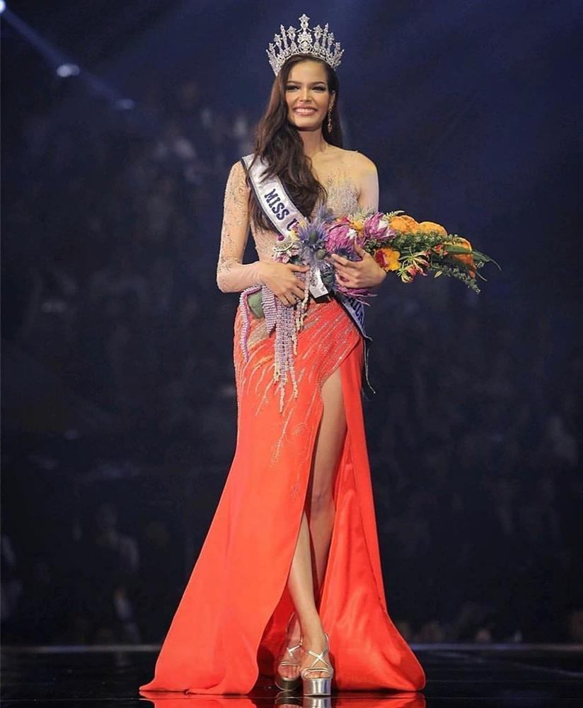 Đã đẹp còn ứng xử nuốt mic, tân Hoa hậu Hoàn vũ Thái Lan đe dọa khả năng intop của Hoàng Thùy tại Miss Universe 2019-2