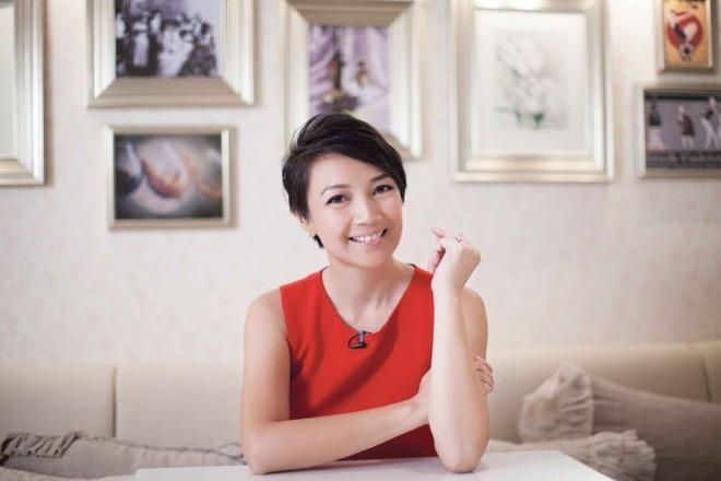 Hoa hậu Hong Kong rơi cảnh nợ nần, phải rao bán vương miện-1