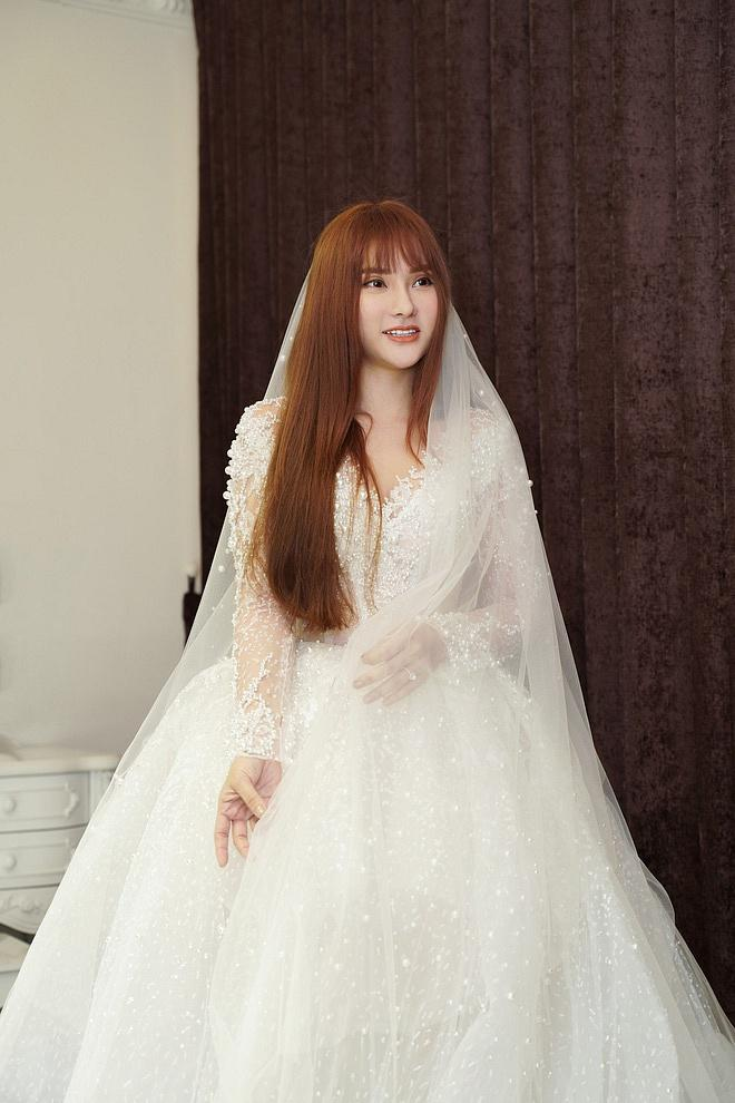 Bị đồn bác sĩ bắt lấy chồng, Thu Thủy chọn váy cưới che bụng, cưới gấp trong tháng 7 này?-2