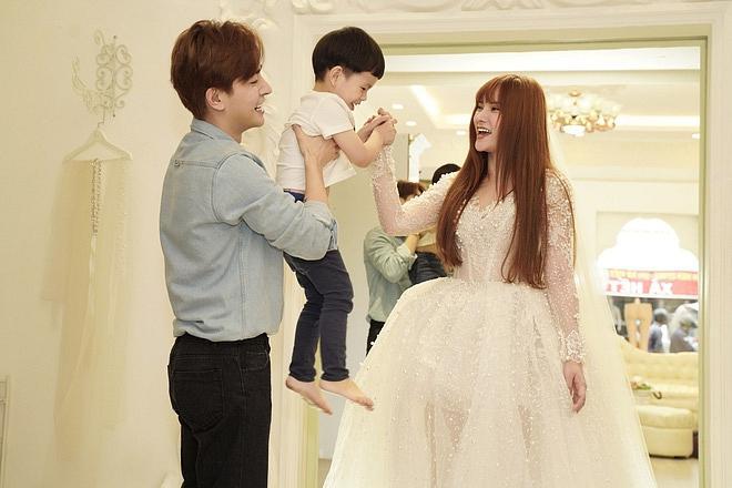 Bị đồn bác sĩ bắt lấy chồng, Thu Thủy chọn váy cưới che bụng, cưới gấp trong tháng 7 này?-4