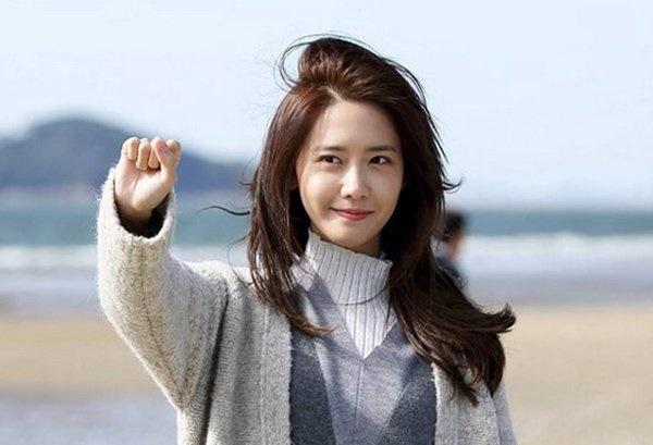 Yoona (SNSD) thú nhận thời đi học chưa từng nhận được chocolate từ nam sinh, toàn đi... ăn ké của bạn bè-1