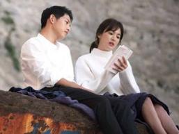 Vì sao Song Joong Ki có thể vượt qua đổ vỡ hôn nhân dễ dàng hơn Song Hye Kyo?