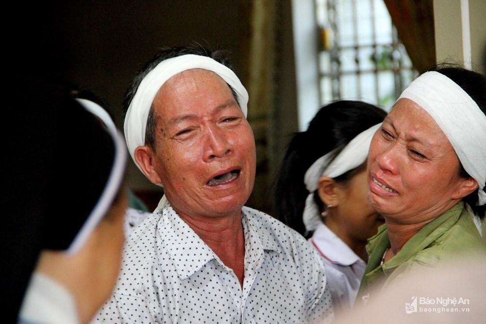 Nỗi đớn đau tột cùng của gia đình người phụ nữ đi cứu rừng bị thiêu cháy-2