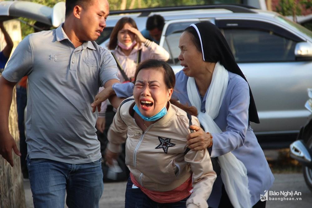 Nỗi đớn đau tột cùng của gia đình người phụ nữ đi cứu rừng bị thiêu cháy-4