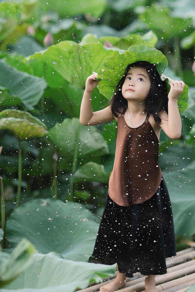 Các cô các chú ơi: Bộ ảnh thiên thần nhí chụp với sen đẹp nhất mùa hè đây rồi!-8