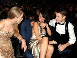 Taylor Swift ám chỉ Justin Bieber ngoại tình sau lưng Selena Gomez?