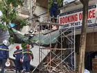 Sập nhà 2 tầng trên phố Hàng Bông