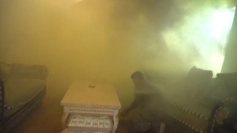 Sự cố cháy bất ngờ khiến cả đoàn phim Mê cung tháo chạy khỏi bối cảnh-3