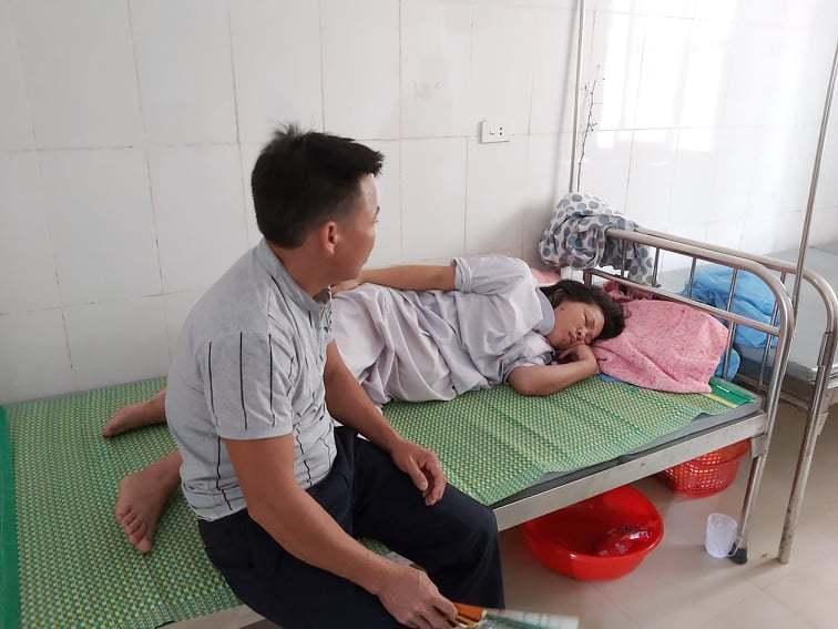 Vụ trẻ sơ sinh bị kéo đứt cổ: Bác sĩ trưởng khoa sản ở Hà Tĩnh phân trần tôi kéo một tí cổ đứa trẻ đã rời ra-2
