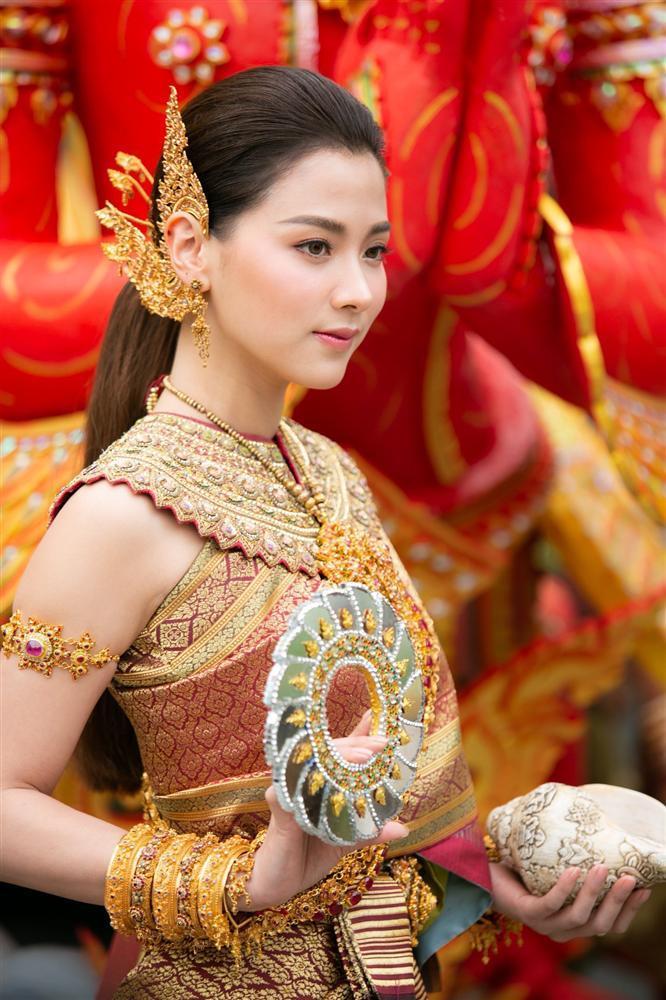 Nhan sắc diễm lệ của mỹ nhân Thái Lan vướng tình ngang trái với bố và chồng cô ruột-8