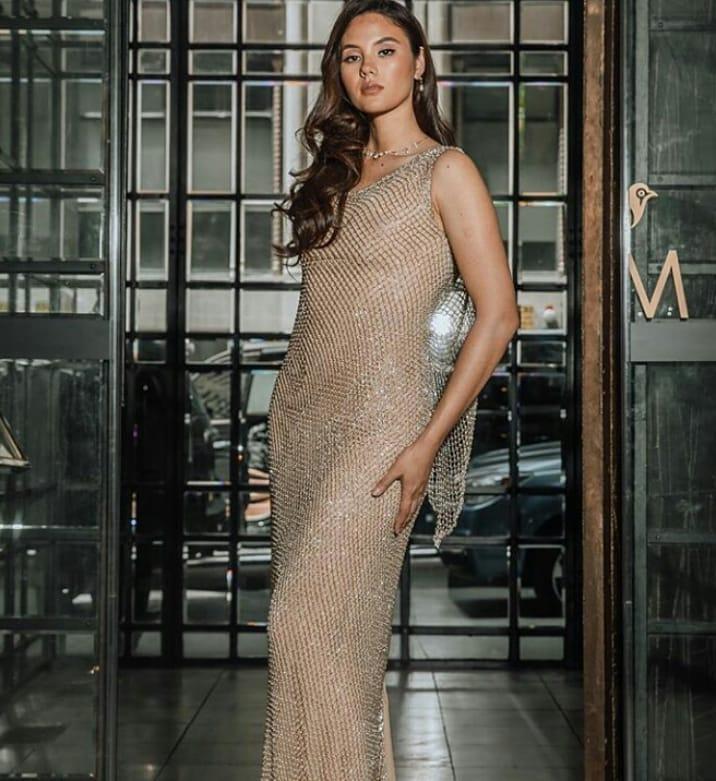 Hết vía với thời trang đã lôi thôi còn sến sẩm, tố cáo hình thể kém hoàn hảo của Hoa hậu Hoàn vũ 2018-15