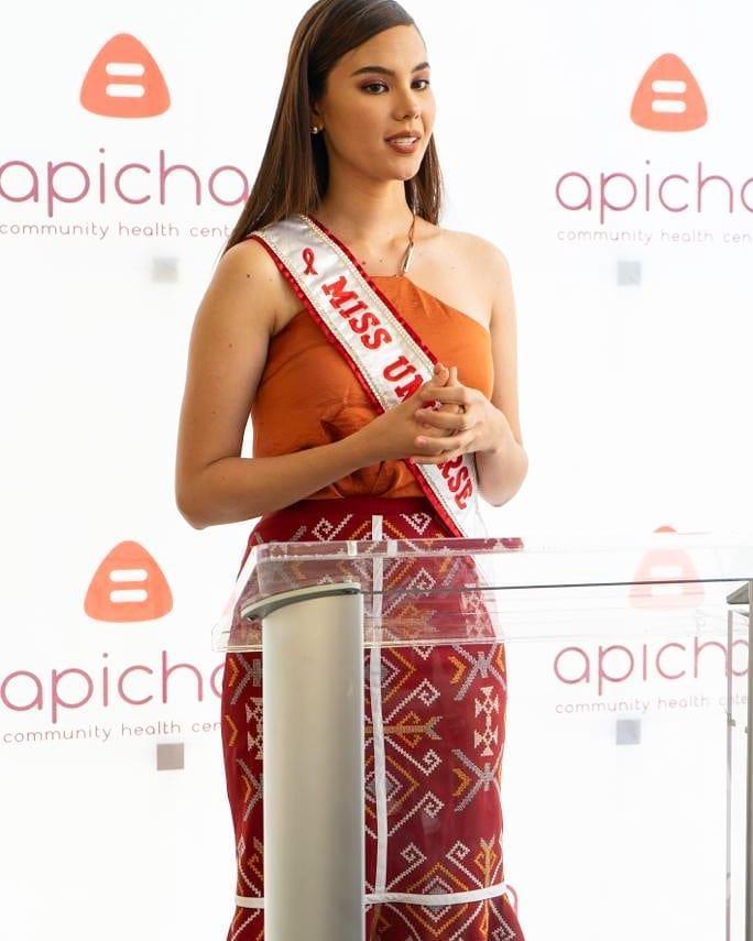 Hết vía với thời trang đã lôi thôi còn sến sẩm, tố cáo hình thể kém hoàn hảo của Hoa hậu Hoàn vũ 2018-10