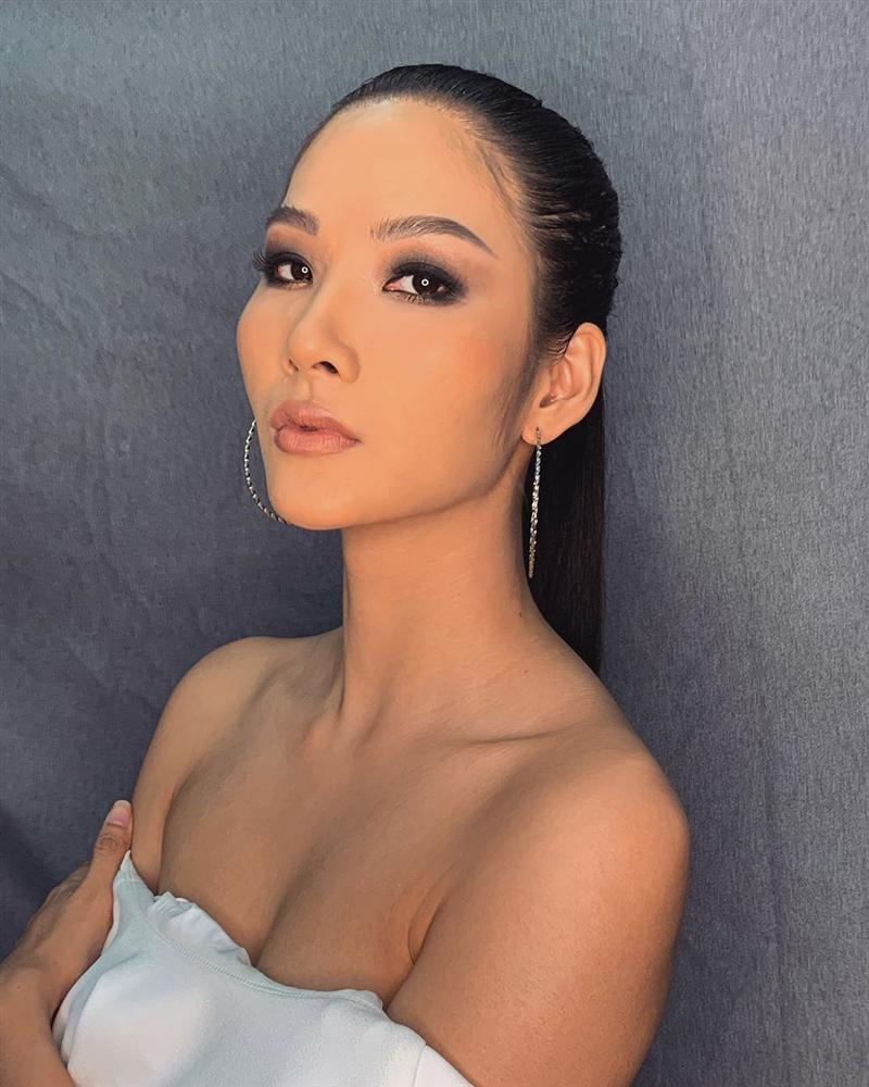 Bản tin Hoa hậu Hoàn vũ 2/7: Đối thủ Philippines cướp spotlight của Hoàng Thùy với thời trang cực đỉnh-1