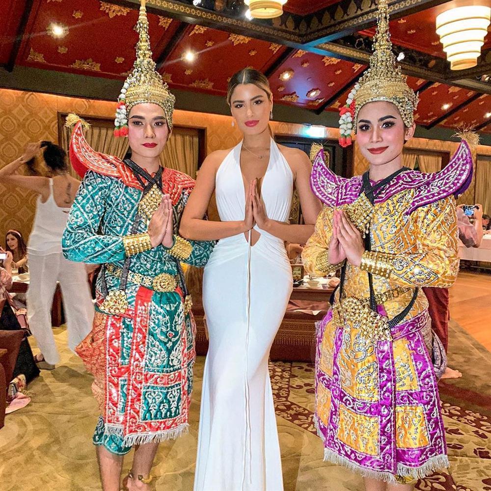 Bản tin Hoa hậu Hoàn vũ 2/7: Đối thủ Philippines cướp spotlight của Hoàng Thùy với thời trang cực đỉnh-8
