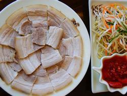 Muốn luộc thịt lợn ngon cứ bỏ thêm thứ này, đảm bảo ngon- ngọt bất ngờ, ăn 1 lần là nhớ mãi