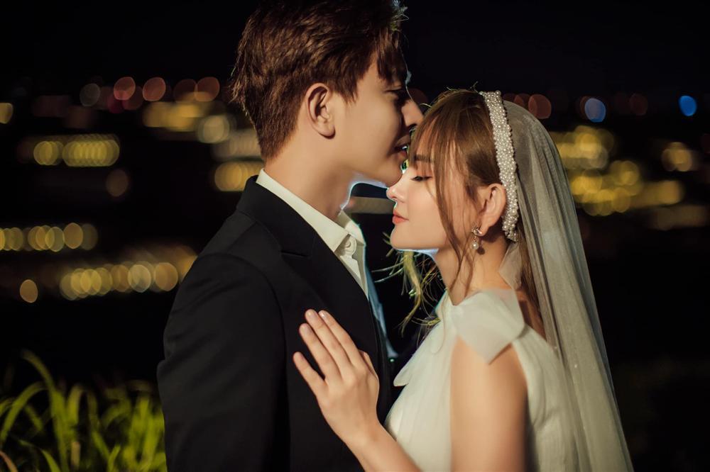 Thu Thủy và chồng kém tuổi khoe ảnh cưới mà cư dân mạng lại chỉ nhăm nhe soi bụng và 2 chiếc mũi lạ kỳ-11