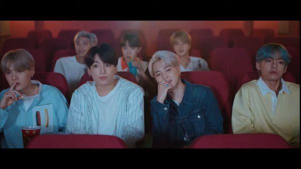 BTS ra mắt MV tiếng Nhật Lights: Những thước phim kỉ niệm chợt cùng nhau ùa về-1