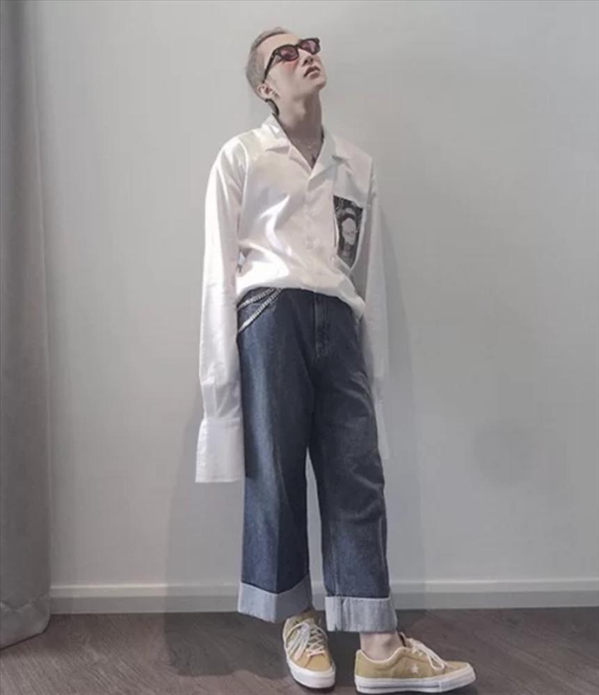Những bộ đồ chất chơi nhưng khiến Sơn Tùng lộ chân ngắn-9