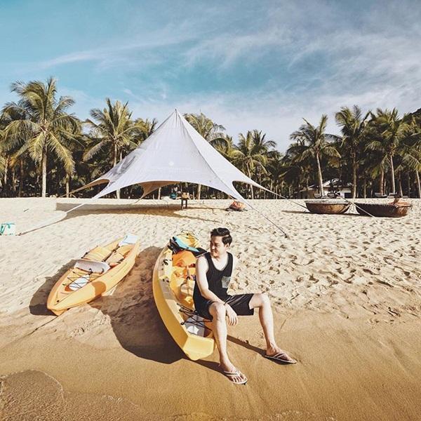 Nghi vấn NTK Lý Quí Khánh và người tình tin đồn Quang Vinh đang có kỳ nghỉ hè thân mật-4