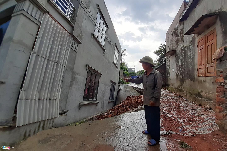 Hố tử thần nuốt căn nhà 2 tầng ở Hà Nội-6