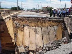 Video: Hình ảnh hiện trường vùi lấp cặp vợ chồng Thanh Hóa bên chân cầu