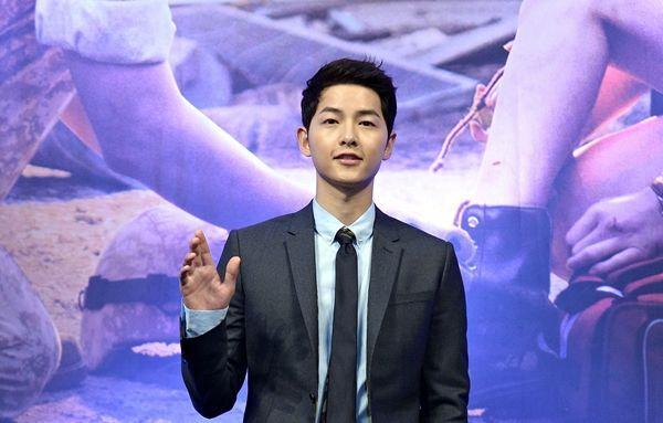 Song Joong Ki lập tức quay phim mới sau khi ly hôn, Knet cổ vũ: Quên người phụ nữ tồi kia đi!-5