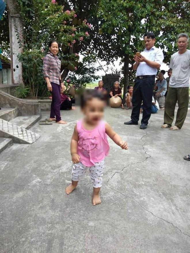 Truy tìm thiếu nữ bỏ con gái hơn 1 tuổi ở chùa kèm lá thư em còn phải lấy chồng, không nuôi được cháu-1