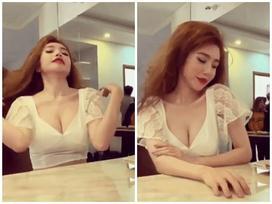Chỉ với clip ngắn 20s, mẹ hai con Elly Trần khoe rãnh ngực cực kỳ sexy
