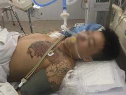 Bị can 17 tuổi nguy kịch, người thân kéo đến bệnh viện