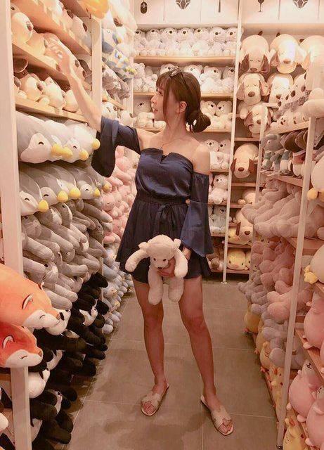 Sự thật ngã ngửa về cô gái mặc váy ngắn sexy bán mì khiến khách hàng đến ăn tận 5 bát 1 lần-9