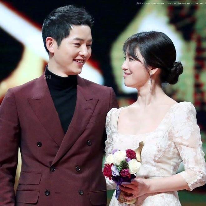 Song Joong Ki miệt mài làm việc trước và sau ly hôn Song Hye Kyo-2