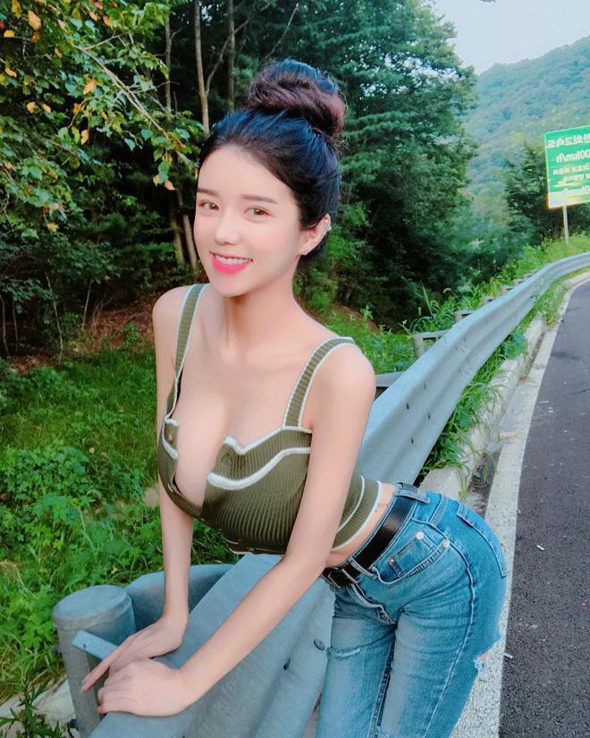 Vóc dáng cực kỳ bốc lửa của nữ MC tố bạn trai tung clip nóng của mình vào nhóm chat sex Jung Joon Young-7