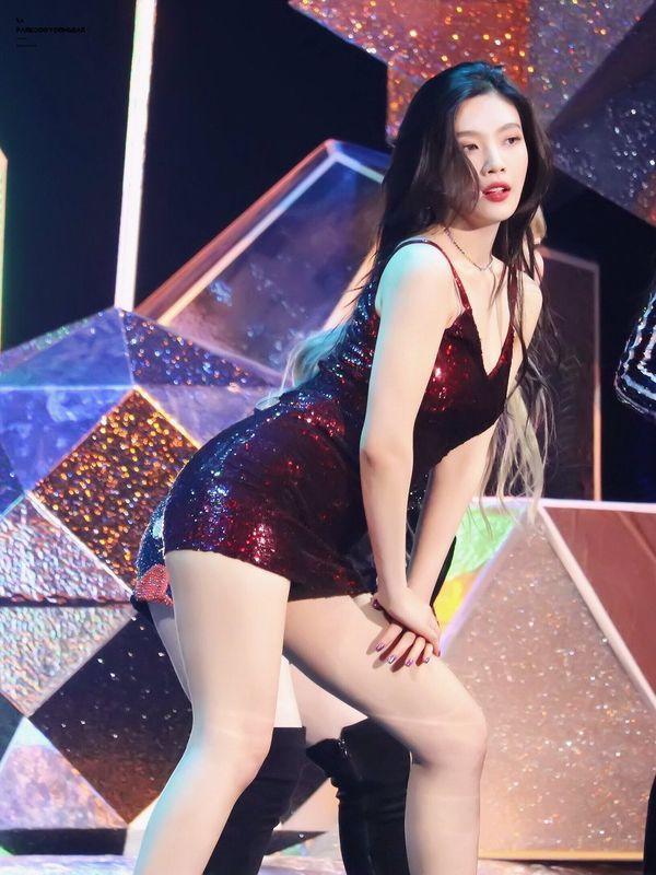 5 nữ idol sở hữu thân hình bốc lửa cực phẩm, được tung hô như Kim siêu vòng 3 của Hàn Quốc-10