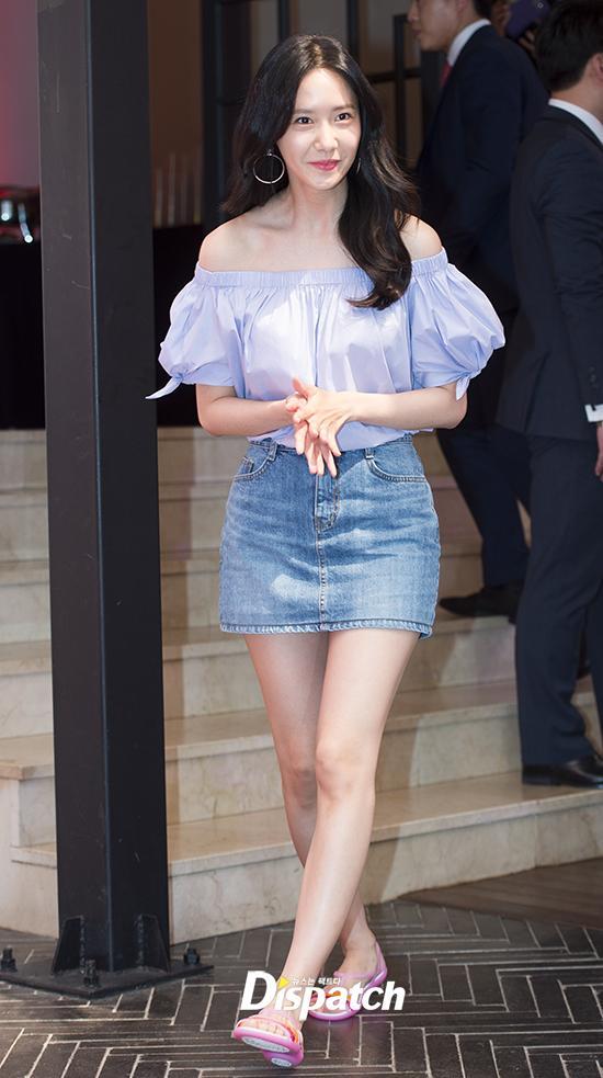 Giàu nứt đố đổ vách nhưng Yoona vẫn mê mẩn đôi giày cao gót rách sờn cả đế-6