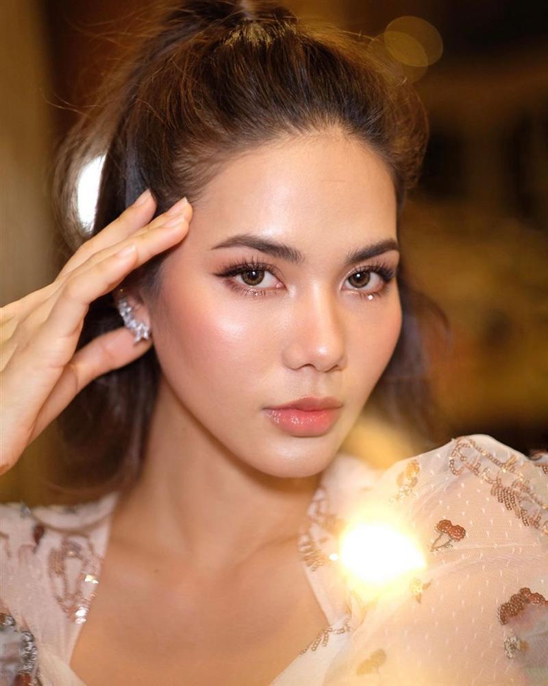 Bản tin Hoa hậu Hoàn vũ 5/7: Đối thủ rất nặng ký của Hoàng Thùy bất ngờ lộ gương mặt đồi mồi chi chít-10