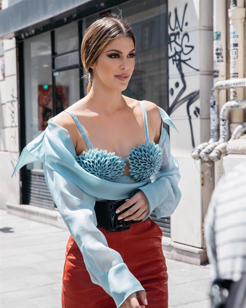 Bản tin Hoa hậu Hoàn vũ 5/7: Đối thủ rất nặng ký của Hoàng Thùy bất ngờ lộ gương mặt đồi mồi chi chít-7