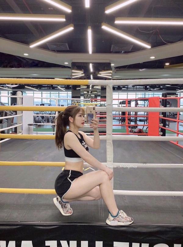 Chân dung gái xinh Hà Nội lên cả báo nước ngoài vì đã có màn lột xác cực ngoạn mục chỉ sau 2 năm-4