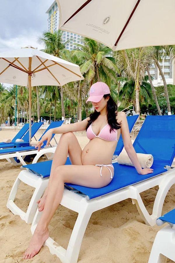 Top mỹ nhân Việt bầu bí vượt mặt vẫn mặc bikini đẹp nhất-3
